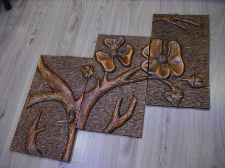 Płaskorzeźba drzewo składane z trzech części - e-wystawa.pl